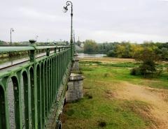 Pont-canal sur la Loire (également sur commune de Saint-Firmin-sur-Loire) -  Briare Aqueduct Crossing above the Loire