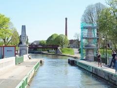 Pont-canal sur la Loire (également sur commune de Saint-Firmin-sur-Loire) - Pont-canal de Briare (Loiret, France); vu depuis une péniche.