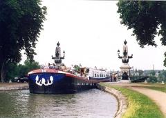 Pont-canal sur la Loire (également sur commune de Saint-Firmin-sur-Loire) -