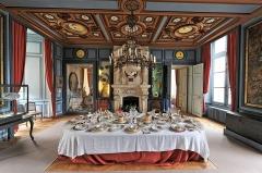 Château de la Bussière, actuellement musée de la Pêche - Deutsch: Esszimmer des Schlosses La Bussière