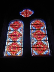 Eglise Saint-Etienne - English: Stained-glass window in Saint-Étienne church in Château-Renard, Loiret. Set in collateral chapel of south transept, south side.