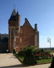 Ancien château, actuellement Musée international de la Chasse - Deutsch: Schloss Gien