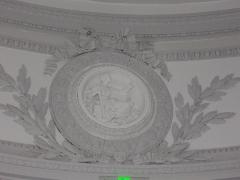 Ancien évêché, puis bibliothèque municipale, actuellement annexe de la médiathèque - Hôtel Dupanloup, ancien palais épiscopal, à Orléans (Loiret, France), relief de l'Espérance dans la chapelle