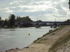 Pont George V - English: Loire River and Pont George V, Orléans
