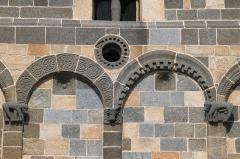 Eglise de la Sainte-Trinité - Nederlands: Église de la Trinité et de San Giovanni detail van de façade