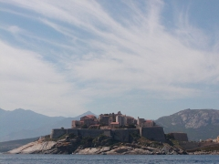 Remparts de la citadelle et Tour du Sel - English: Calvi, Corsica (Haute-Corse), France. Viewed from the sea to the west.