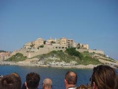 Remparts de la citadelle et Tour du Sel - Deutsch: Calvi vom Meer