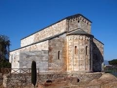 Cité antique de Mariana -  Lucciana (Corse) - Chevet de la cathédrale Santa-Maria-Assunta fondée au XIe siècle sur le site archéologique de Mariana à «La Canonica»