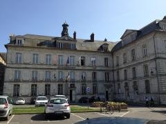 Ancienne abbaye Notre-Dame - Hôtel-de-ville de Bernay.