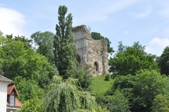 Ruines du château - English: Keep of Brionne (France, Normandy)