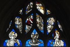 Eglise - Deutsch:   Katholische Kirche Saint-Hilaire in Tillières-sur-Avre im Département Eure (Region Normandie/Frankreich), Bleiglasfenster von Max Ingrand, mit Fragmenten aus dem 16. Jahrhundert im Maßwerk; Darstellung: Engel