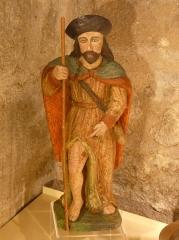 Eglise Saint-Cyr-Sainte-Julitte - Français:   Statue de saint Roch du XVIIe siècle en bois polychrome, église Saint-Cyr-Sainte-Julitte, Saint-Cirgues-la-Loutre, Corrèze, France.