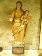 Eglise Saint-Cyr-Sainte-Julitte - Français:   Statue du XVIIe siècle de la Vierge à l\'Enfant en bois polychrome, église de Saint-Cirgues-la-Loutre, Corrèze, France.