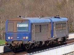 Viaduc de Busseau-sur-Creuse (également sur commune de Pionnat) -  TER rolling stock.