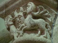 Eglise Saint-Barthélémy - Français:   Un des chapiteaux de l\'église abbatiale Saint-Bartélémy de Bénévent-l\'Abbaye en Creuse