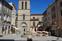 Eglise Saint-Michel-des-Lions - Français:   Place de la Motte et église Saint-Michel, Limoges, Haute-Vienne, France