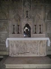 Eglise Saint-Michel-des-Lions - English: Shrine of St Valerie of Limoges in St Michel des Lions, Limoges, France.