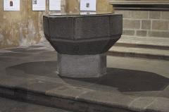 Eglise Saint-Michel-des-Lions - Deutsch: Katholische Pfarrkirche Saint-Michel-des-Lions in Limoges im Département Haute-Vienne (Nouvelle-Aquitaine/Frankreich), Taufbecken