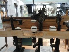 Musée national Adrien Dubouché et Ecole des Arts Décoratifs -  limoges_porcelain_museum_adrien_dubouche_machine_calibre