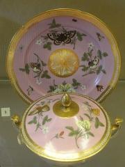 Musée national Adrien Dubouché et Ecole des Arts Décoratifs -  limoges_porcelain_museum_adrien_dubouche_paris_russinger_pouyat_broth_ewer_18th_end