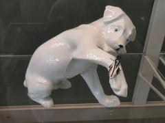 Musée national Adrien Dubouché et Ecole des Arts Décoratifs -  limoges_porcelain_museum_adrien_dubouche_porcelain_service_paris_sandoz_dog_grasshopper_1930