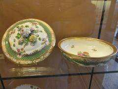 Musée national Adrien Dubouché et Ecole des Arts Décoratifs -  limoges_porcelain_museum_adrien_dubouche_vienna_vegetable_dish_18th_end