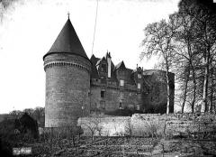 Château, actuellement musée départemental d'art contemporain et sous-préfecture de Rochechouart -