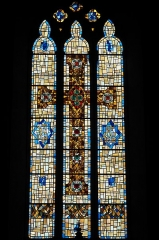 Eglise Saint-Julien - Deutsch:   Katholische Kirche Saint-Sauveur in Rochechouart im Département Haute-Vienne (Nouvelle-Aquitaine/Frankreich), Bleiglasfenster