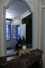 Immeuble (ancienne maison de l'Armateur, actuellement Musée de l'Armement naval) - Français:   La Maison de l\'armateur  au Havre: chambre d\'hôtes.
