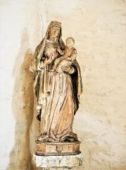 Château (ensemble du) - Français:   Statue de Vierge à l\'Enfant. Chapelle du château de Belvoir. Doubs