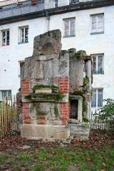 Jardin public - Français:   Vestiges archéologiques du centre historique de Besançon