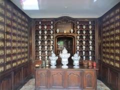 Maison natale de Victor Hugo - Français:   Ancienne pharmacie Jacques de Besançon, au RDC de la maison natale de Victor Hugo, place Victor Hugo à Besançon