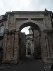 Porte Noire - Français:   Vue générale de la Porte Noire de Besançon