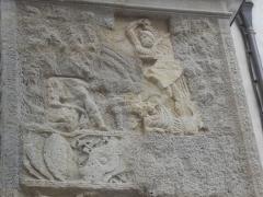 Porte Noire - Français:   Vue détaillée de la Porte Noire de Besançon: passage du piédroit Ouest. Scène représentant le combat de fantassins romains contre les Barbares.