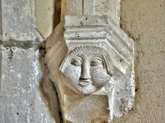 Eglise - Français:   Culot d\'ogive de l\'église de Chaux-Neuve. Doubs