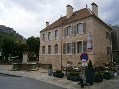 Maison natale de Gustave Courbet - Français:   Hôtel de Champerreux (actuel musée Courbet), à l\'angle des rues Saint-Laurent et de la Froidière, Ornans.