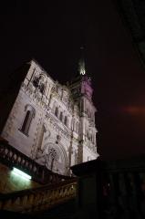 Eglise catholique Saint-Maimboeuf - Français:   Eglise St-Maimboeuf de nuit