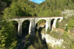 Viaduc -  Le viaduc du Saillard. Wavy lines in the viaduct are due to camera vibrations and rolling shutter.