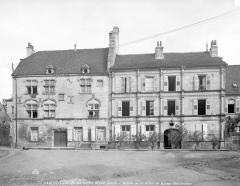 Hôtel Thiadot dit Maison du bailli, actuellement bibliothèque municipale et musée Beaumont -