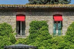 Cité de Carcassonne - English: Windows of the