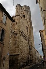 Eglise Saint-Vincent - English: Carcassonne - Rue Albert Tomey - View South on Saint-Vincent Church