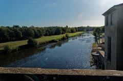 Pont-Vieux - English: Carcassonne - Pont Vieux / Old Bridge - View SSW over River Aude