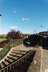 Pont-Vieux - English: Carcassonne - Rue du Pont Vieux - View ESE on the Old Bridge over the Aude