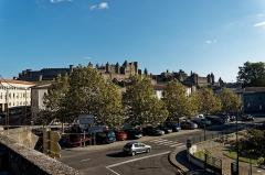 Pont-Vieux - English: Carcassonne - Rue du Pont Vieux - View SE on La Cité / The Citadel