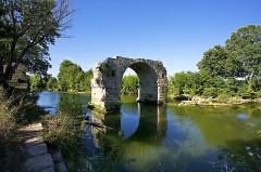 Via Domitia : Pont d'Ambrussum -  Roman bridge, Ambrussum