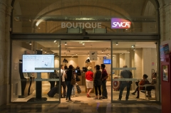 Ancienne gare - English:  The SNCF boutique, always frequent.