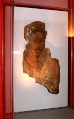 Hôtel de Piolenc, dit Maison des Chevaliers - Français:   Portrait d\'homme, oasis du fayoum, Égypte, 110-130 de notre ère.