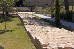 Enceinte antique - English: Nimes, Roman wall foundations