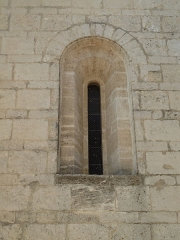 Eglise Saint-Jean-Baptiste - English: Church of Saint-Jean-Baptiste in Castelnau-le-Lez (vicinity of Montpellier, France). South side. Window of the third bay of the nave.