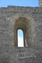 Ancienne abbaye Saint-Félix-de-Montceau - Français:   Gigean ( Hérault - France) - Abbaye Saint-Félix-de-Montceau - fenêtre romane